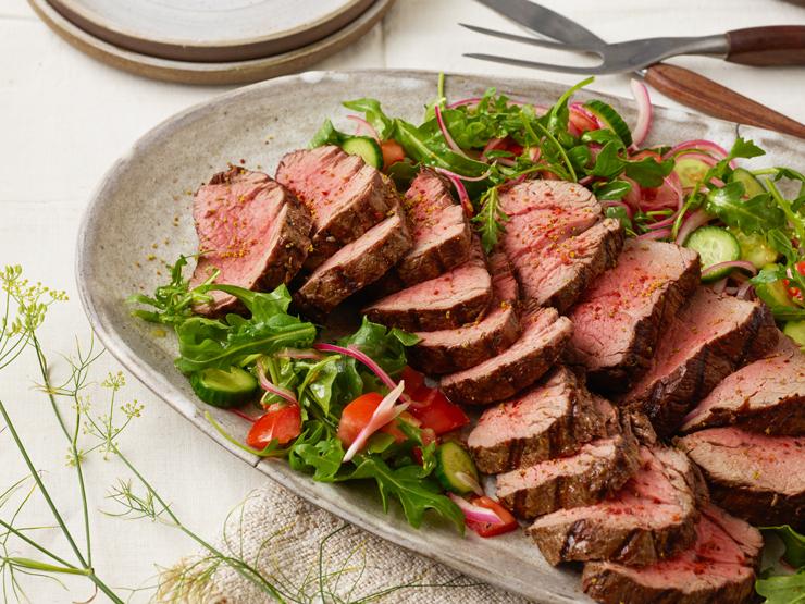 grilled tenderloin steak with arugula salad